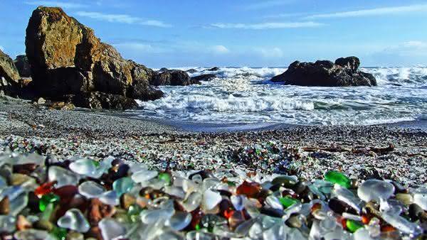 praia de vidro entre as praias mais bizarras do mundo