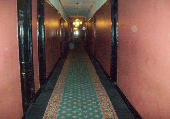Crescent Hotel entre os hoteis assombrados aterrorizantes com atividade fantasma real