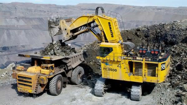 Komatsu PC5500-6 entre as maiores escavadeiras do mundo