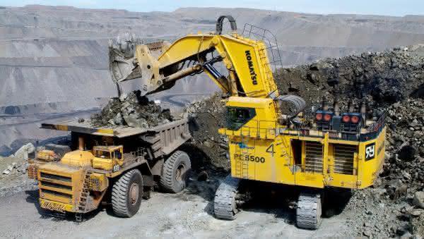 Komatsu PC5500-6 entre as maiores escavadeiras do mundo