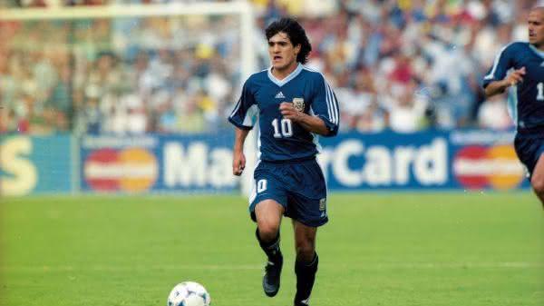 Ariel Arnaldo Ortega entre os maiores jogadores da argentina em todos os tempos