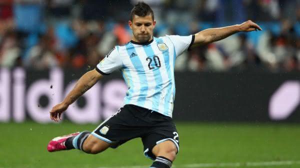 Sergio Aguero entre os maiores jogadores da argentina em todos os tempos