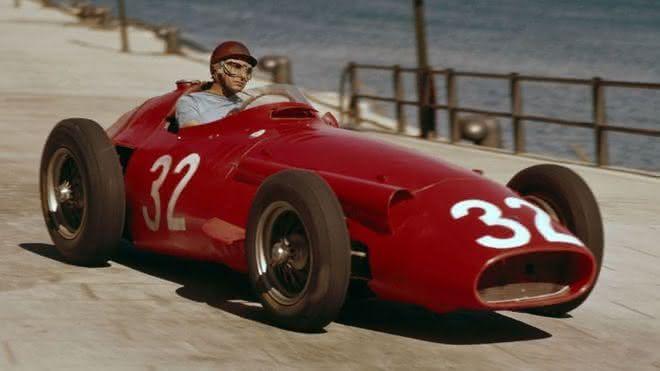 Juan Manuel Fangio entre os pilotos