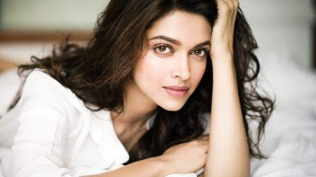 2.Deepika Padukone