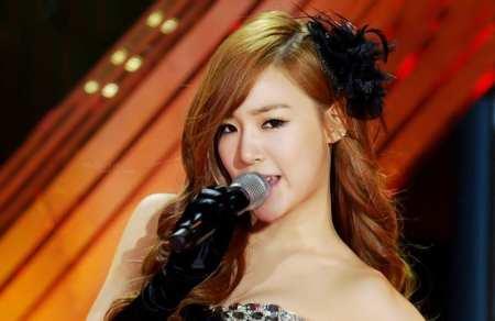 5.Kwon Yuri K-Pop Star