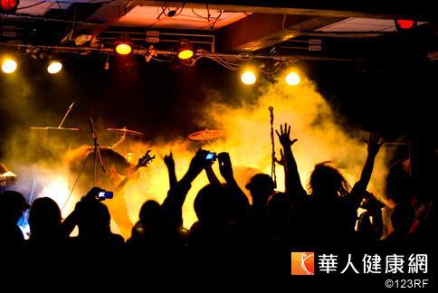 跨年吼叫竟「燒聲」 快速緩解5招 | 華人健康網