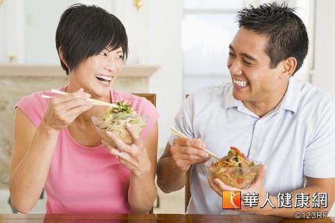 腸胃保健康 三餐定時PK餓了再吃   華人健康網