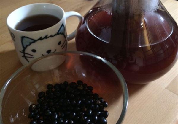 自製當紅黑豆水!2步驟輕鬆DIY   華人健康網