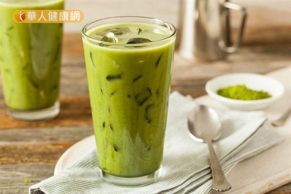 抹茶拿鐵正夯,營養師教你DIY漸層飲料更健康! | 華人健康網