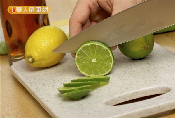 酸性食物易致癌?營養師:飲食不當才是癌癥之源   華人健康網