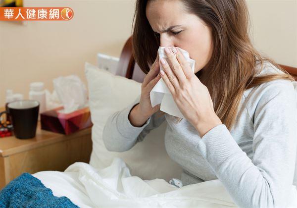 鼻水流不停。過敏性鼻炎好難受〜冬季「三九貼」可緩解 | 華人健康網