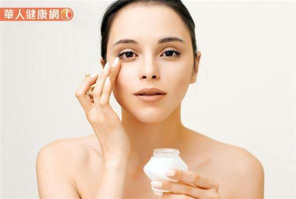 研究:眼角有細紋。代表你的生活比較快樂。也比較有錢! | 華人健康網
