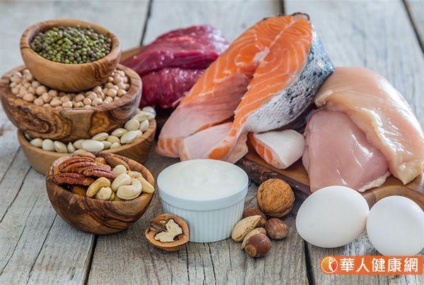 老年人控血糖先限醣?飲食補蛋白質怎麼吃?一張圖看懂   華人健康網
