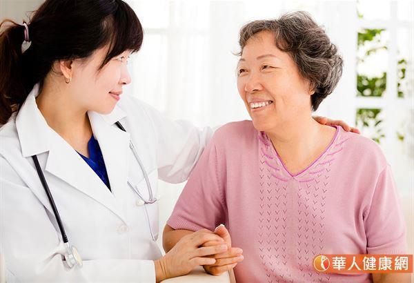 罕見肺癌不擔心!精準治療能有效攻擊癌細胞   華人健康網
