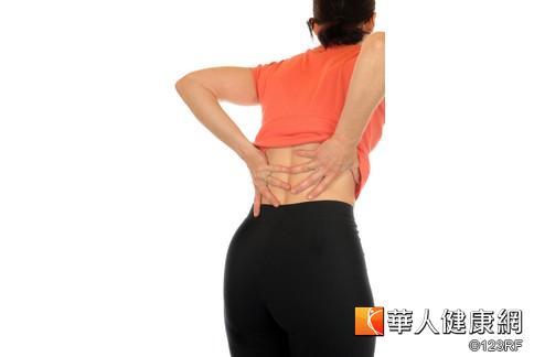 下背痛致病因素多 正確診斷再治療   華人健康網