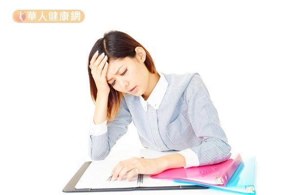 經期來潮前頭痛欲裂?5妙招擺脫-華人健康網-良醫健康網