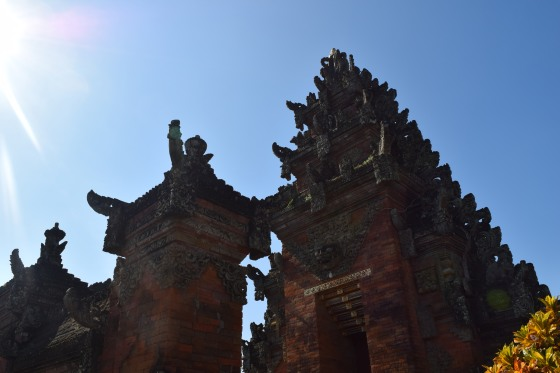 Ostrov Bali, tomáš