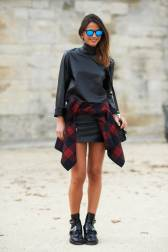 elle-01-plaid-shirt-how-to-dress-thinner-v-xln