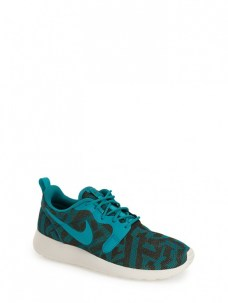 nike roshe run jacquard sneakers 90$