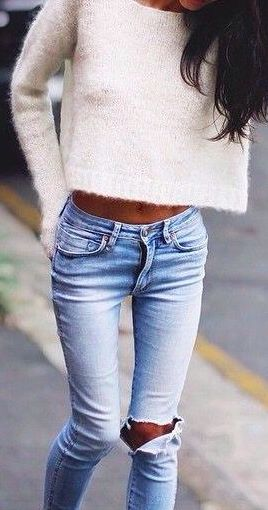 street-style-destroyed-jeans-white-knit