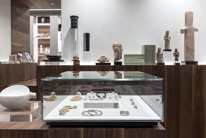 f2_cycladic_art_museum_shop_