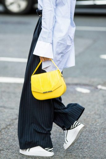 nyfw-street-style-wide-leg-pants-yellow-bag