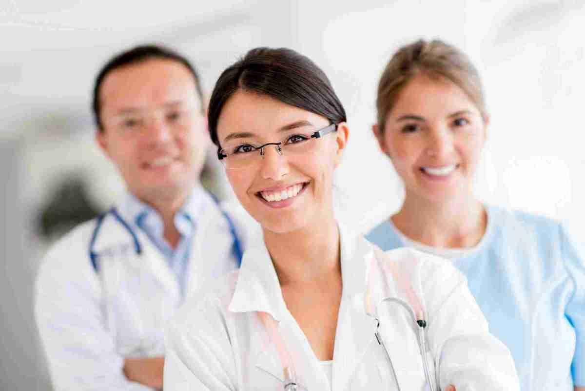 https://i0.wp.com/topchiropractornyc.com/wp-content/uploads/2015/12/doctors.jpg?w=1200