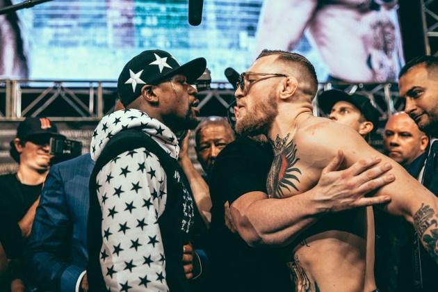Mayweather_vs_McGregor_WorldTour_NY-21