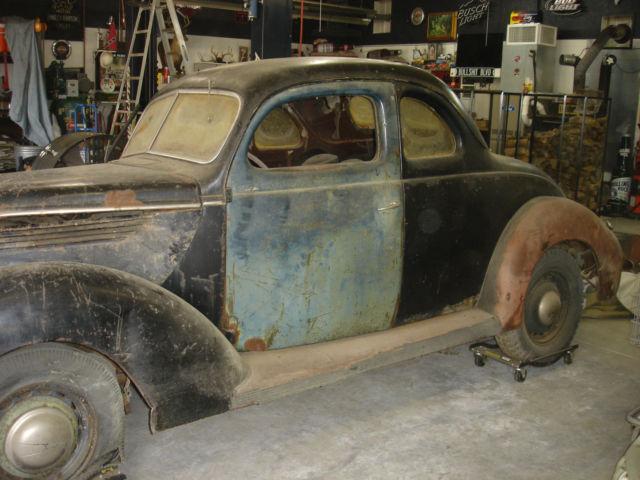 1941 Ford Deluxe Tudor