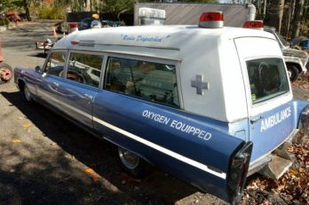 Image result for old ambulance with oxygen sign