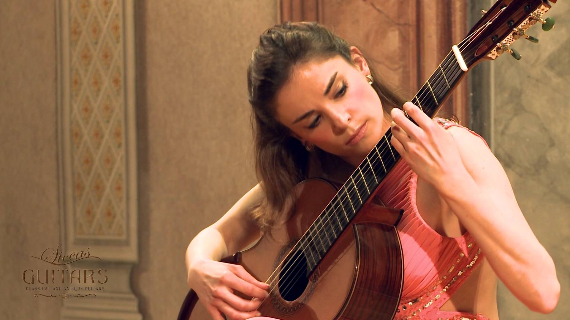 Ana Vidovic plays La Catedral by Augustn Barrios