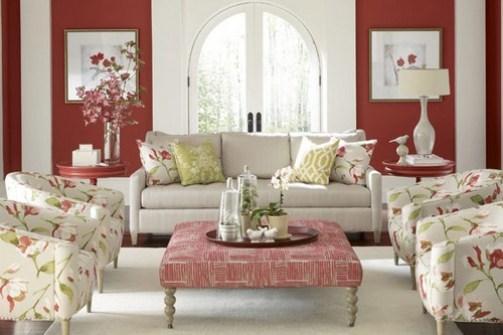 2. Kvetinové vzory s bielym pozadím Interiérové trendy