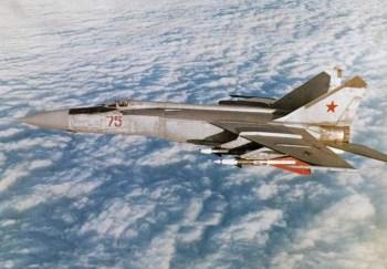 Mikojan-Gurevič MiG-25  3000 km/h Najrýchlejšia stíhačka