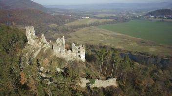 Hrad Revište Zrúcaniny hradov na Slovensku