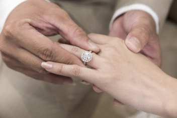 zasnubne prstene cena