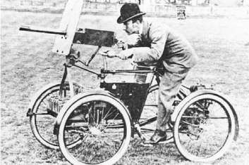 Armored Quadricycle, 1898 Divné vojenské vozidlá