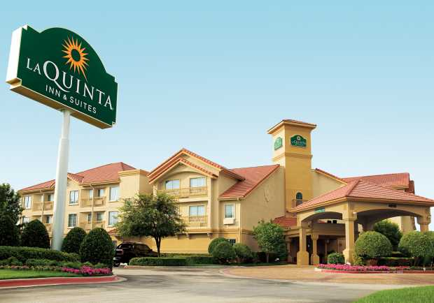 Best USA Hotels that Allow Dogs