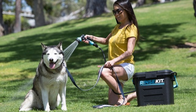 RinseKit Allows You To Easily Bathe Your Dog Outside
