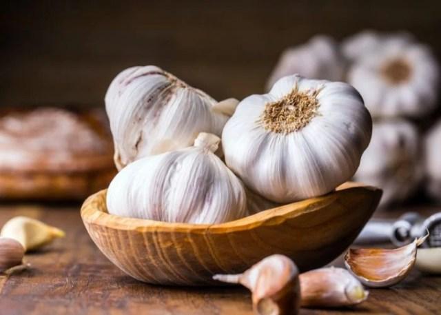 Natural Dog Repellent #7: Garlic