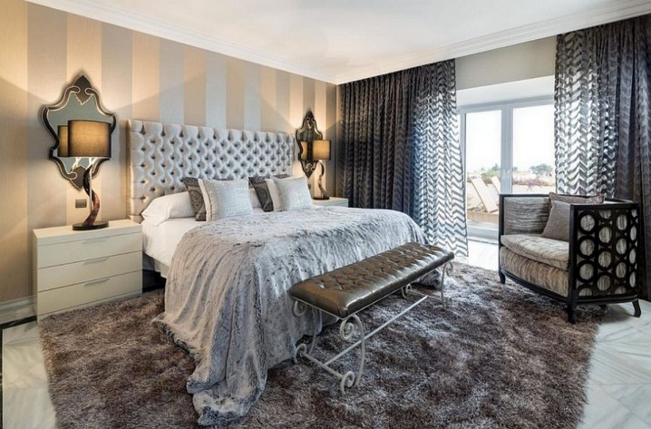 Dazzling Bedroom Designs With Striped Accent Walls