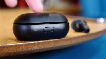 Caja de recarga de los Samsung Gear IconX