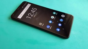 Imagen frontal del teléfono ZTE Blade V9 2018