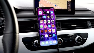 Mophie Powerstation Wireless 6K con iPhone
