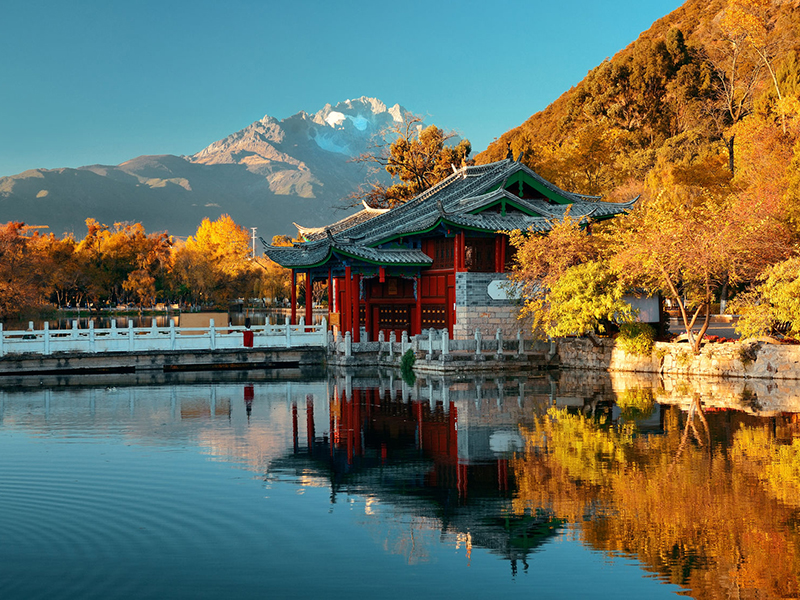Black Dragon Pool in Lijiang, Yunnan China. Photo : Songquan Deng