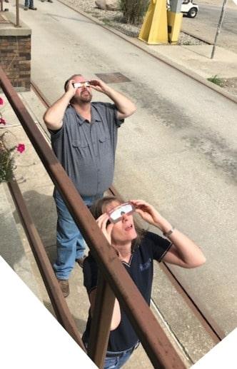 Viewing the Solar Eclipse - Around Topflight Grain 2017