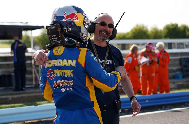 andrew-jordan-2014-thruxton-pole-1