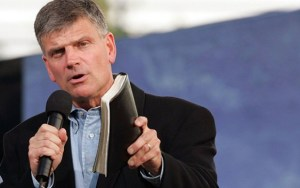 Franklin-Graham-cc-563x353