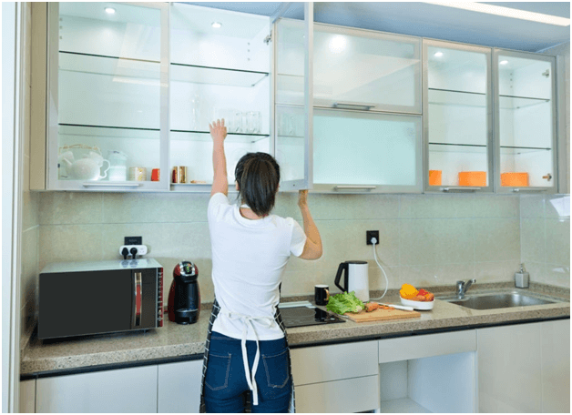 Replace-Wooden-Cabinets-with-Glass