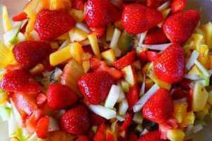 Fruit Salad Recipe in Hindi || फ्रूट सलाद रेसिपी इन हिंदी