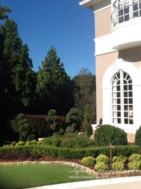 topiary-courtyard-product-w70